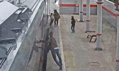 vagon kapısı