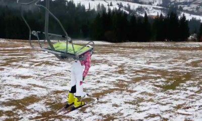 KAZ 0036 Skier stuck at chair